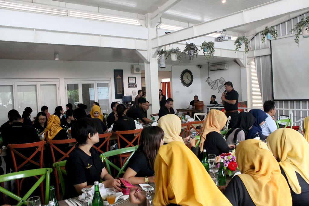 Acara First Anniversary Hayyana di Madam Tan Workbar