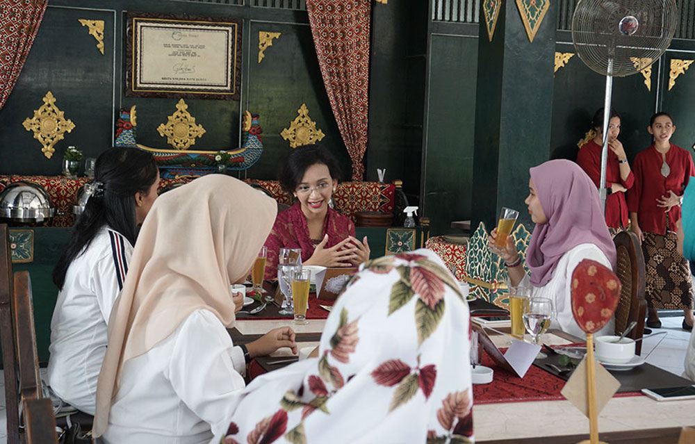 Lunch with Gusti Bendara