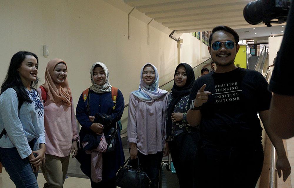 Penjemputan pemenang di bandara Adi Sutjipto