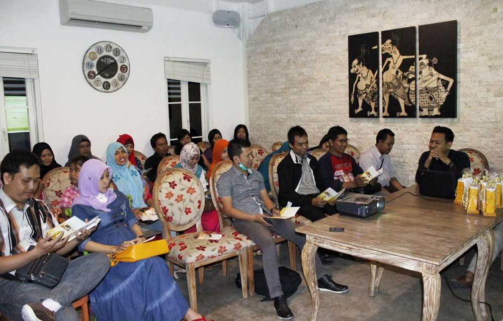 Suasana Buka Bersama Hayyana di Madam Tan Wokbar bersama para Blogger dan Penggiat Bisnis Online